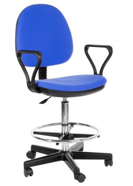 Кресло офисное Регал Regal ткань черная упор для ног, высокий газлифт на хроме