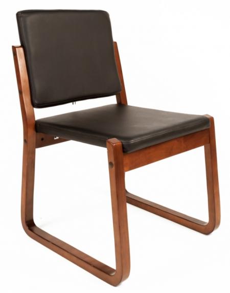 Кресло посетителя РК-7 экокожа Терра черная
